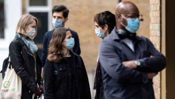 OBSH ndryshon këshillën: Mbani maska në çdo vend publik, kështu frenojmë përhapjen