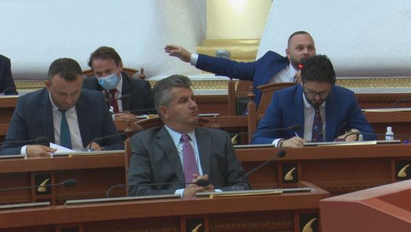 Opozita parlamentare, sa mundet të kushtëzojë me votat e saj?