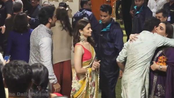 Racizmi në Bollywood, aktorët nën presion për një ngjyrë më të çelët të lëkurës