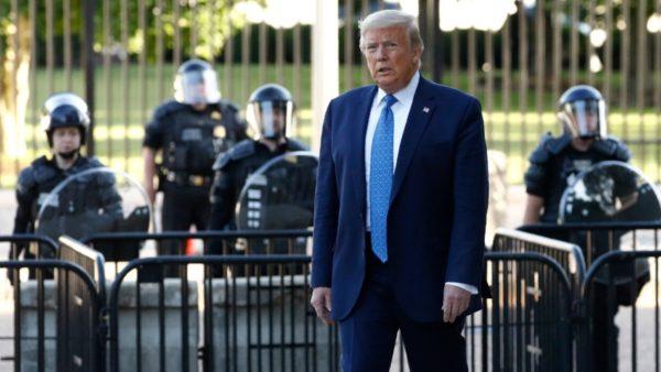 Trazirat në SHBA, Trump kërcënon të mobilizojë ushtrinë