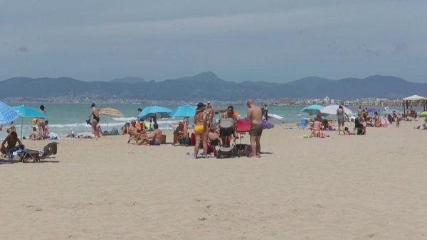 Ishujt spanjollë hapin dyert, mijëra turistë gjermanë lejohen në ishujt Baleare