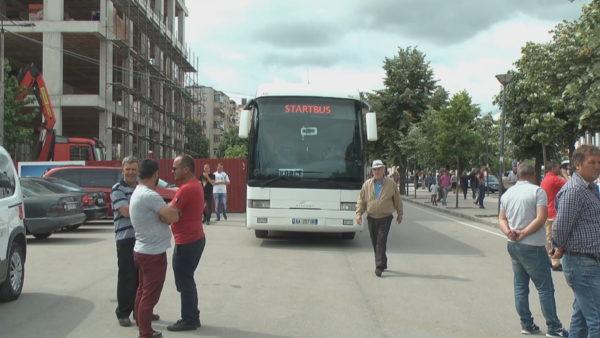 Rifillimi i transportit publik/ Qeveria e lejon, Unioni i Operatorëve kërkon plotësimin e kërkesave