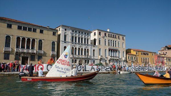 Protesta antiturizëm në Venecia
