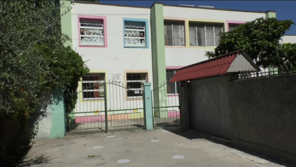 Koronavirusi, mbyllet kopshti në Vlorë