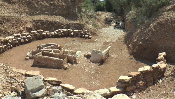 Zbulimi arkeologjik, dokumentohet varreza e kohës së bronzit në Himarë