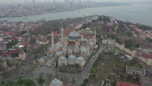 Kthimi i Shën Sofisë në xhami, Turqia shtyn vendimin