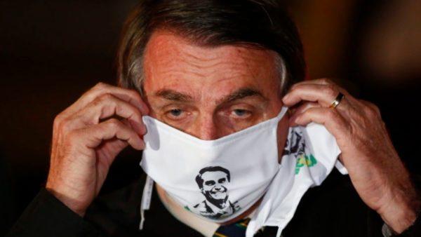 Maskat jo të detyrueshme në Brazil, presidenti Bolsonaro: Herët a vonë të gjithë do prekemi nga COVID-19