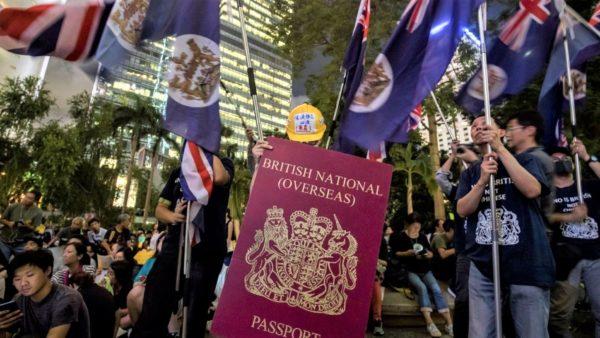 Britania dëshiron t'i japë nënshtetësinë banorëve të Hong Kongut, Kina: Mendohuni dy herë