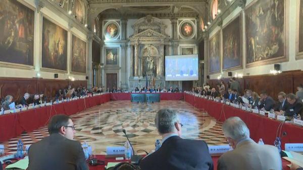 """Ndryshimet kushtetuese, ndërkombëtarët sugjerojnë kthimin te """"Venecia"""""""