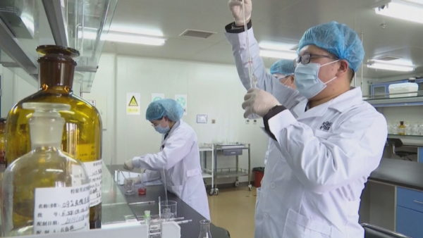 Koronavirusi, Rusia nis prodhimin e vaksinës