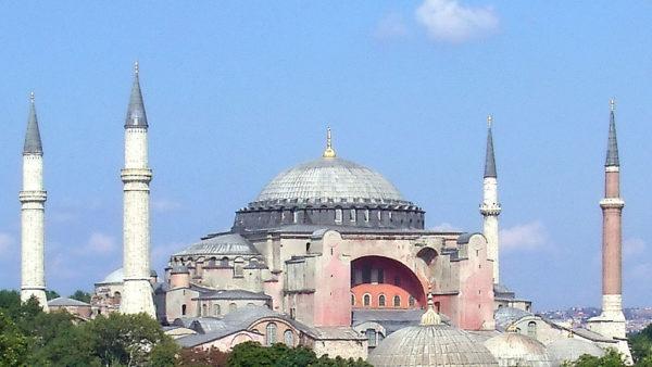 """""""Shën Sofia"""" inaugurohet si xhami, sot kryhet falja e parë, i pranishëm edhe Erdogan"""