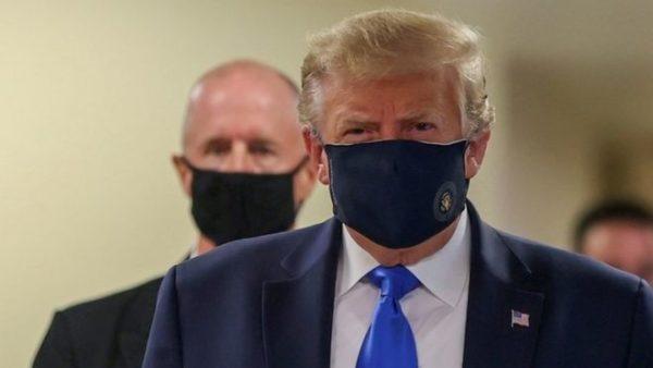 Donald Trump shihet për herë të parë me maskë