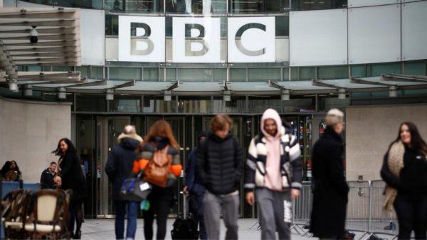 """Nuk ka më """"radio"""" dhe """"televizion"""", BBC tenton ndryshimin dhe kërkon të ecë me hapin e rinisë"""