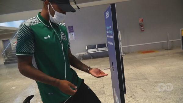 Mbi 150 futbollistë të infektuar, por në Brazil nis sezoni i ri