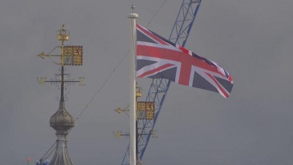 Kaos për mijëra pushues, rikthehet karantina për britanikët që kthehen nga Franca