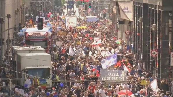 Europa dhe Covid-19, shtetet mes masave parandaluese dhe protestave