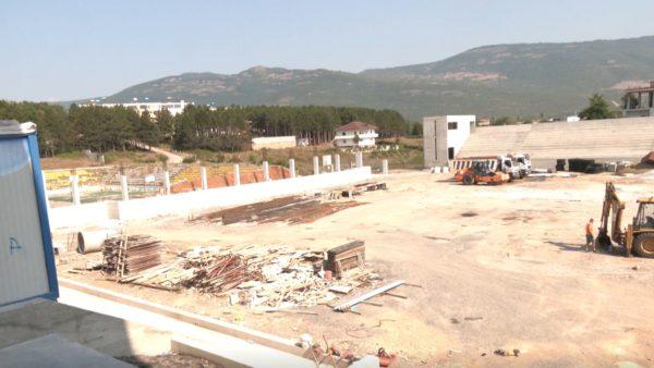 Rishikohet projekti, ndërpriten punimet për një nga tribunat e stadiumit të Kukësit