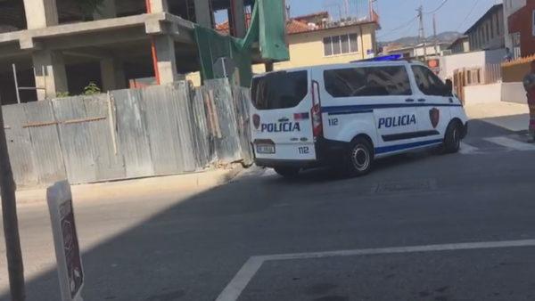 Vrasja me thikë në Elbasan, Gjykata lë në burg Sanxhaktarin dhe Hajdarin