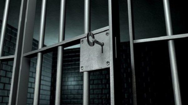 Koronavirusi futet në burgun e Fierit