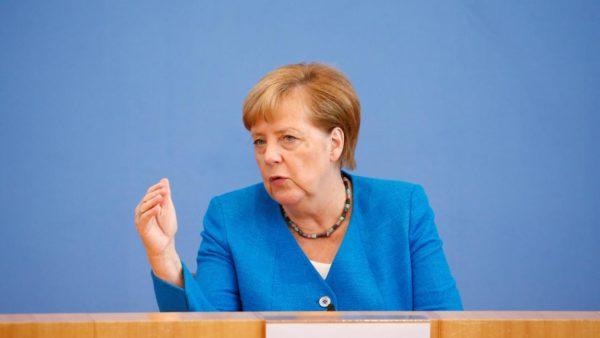 Europa vendos kufizime, Merkel për pandeminë: Situata do të përkeqësohet në dimër
