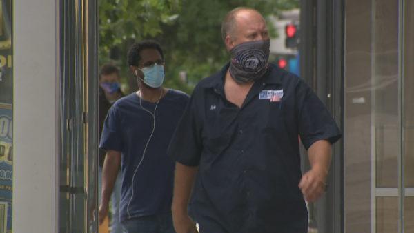 Studimi amerikan: Gripi sezonal dhe Covid-19 mund të përhapen edhe përmes pluhurit