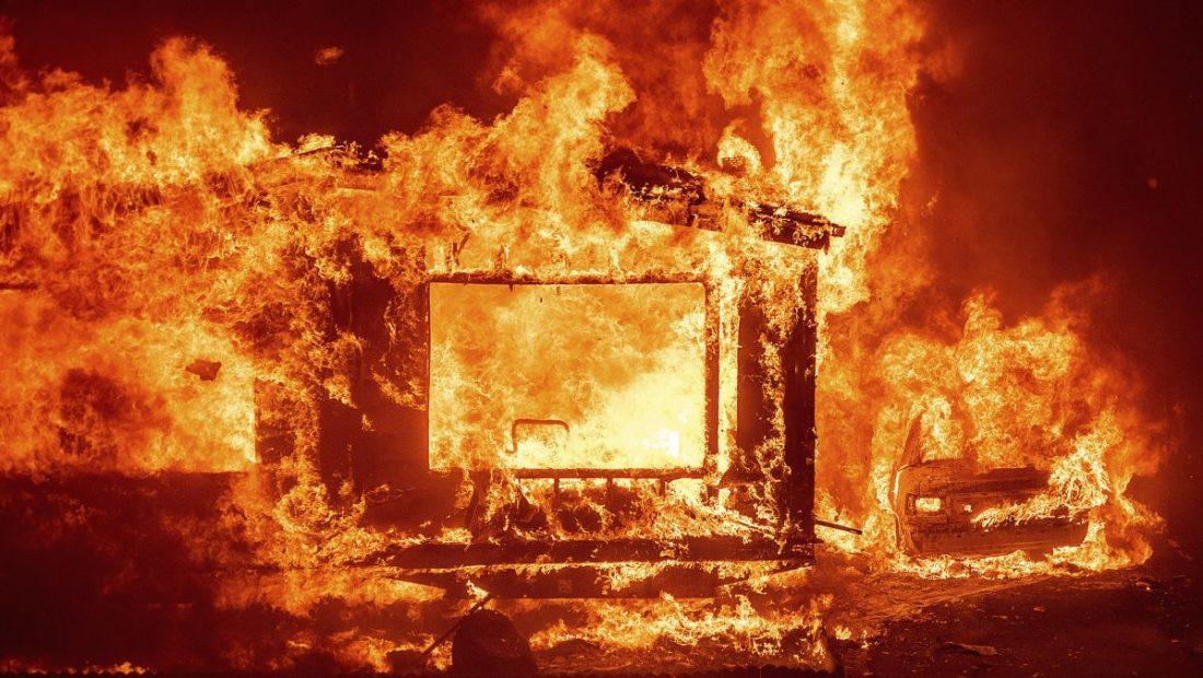https   cdn.cnn .com cnnnext dam assets 200819061652 01 california fires 0818 lnu lightning complex 1100x620