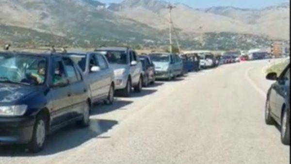 Radhë kilometrike në Kakavijë, Ministria e Jashtme: Greqia po kryen testime masive në kufi