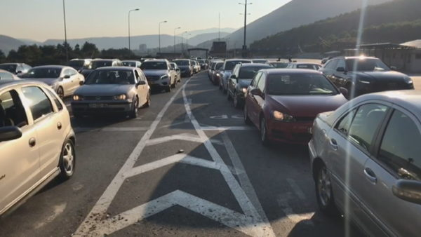 Mbi 1 milion pushues nga Kosova drejt Shqipërisë