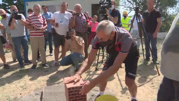 FSHF dhe ekipi kombëtar nisin ndërtimin e shtëpive të dëmtuara nga tërmeti