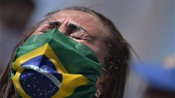 U mendua për imunitet të tufës, rritja e infektimeve shuan shpresat në Brazil