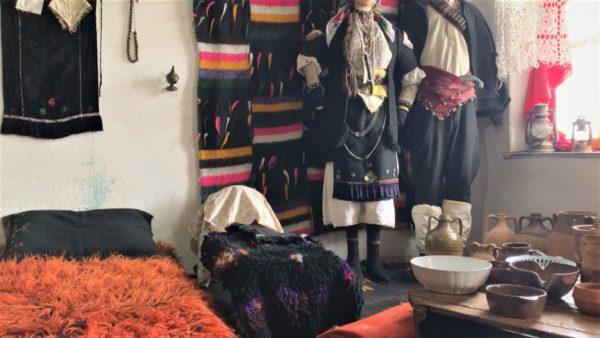 Trashëgimia ndër breza, mësuesi i historisë krijon muzeun etnografik në Pustec