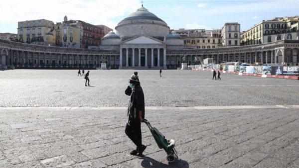 Rritje rastesh në Itali, në Napoli duhen maska edhe në ambientet e hapura