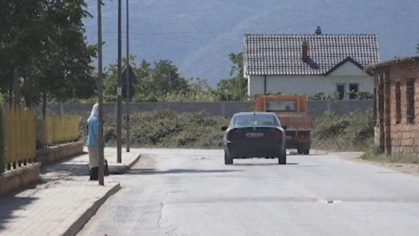 Kukës, rruga në lagjen Gostil rrezikon fëmijët