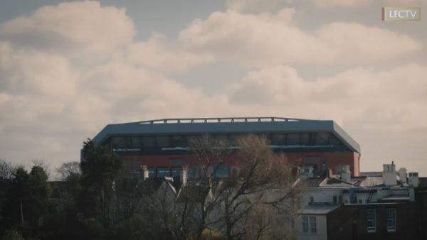 Angli, klubet takohen me qeverinë për hapjen e stadiumeve