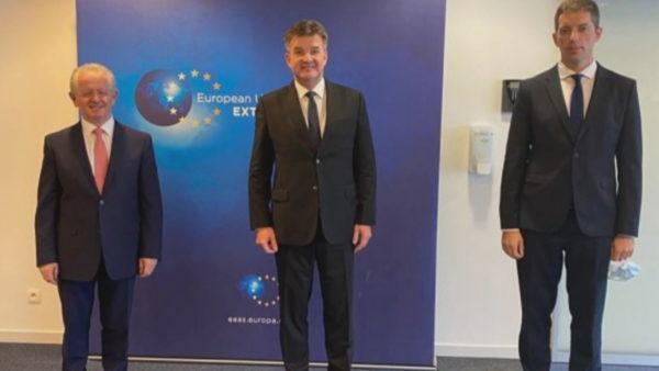 Dialogu Kosovë-serbi, Beogradi kushtëzon bisedimet me asociacionin