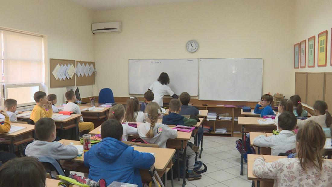 femijet ne shkolle 1100x620
