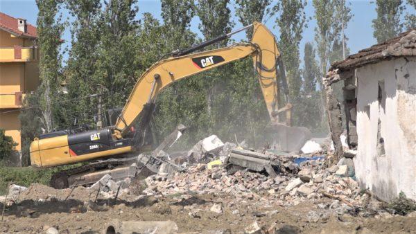 Rindërtimi i Thumanës, tërmeti nxori në pah problemet e pronësisë