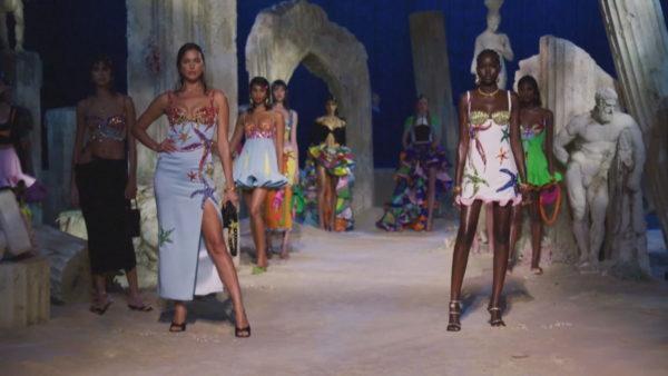 Java e Modës në Milano, Versace prezanton koleksionin e ri pranverë/verë 2021