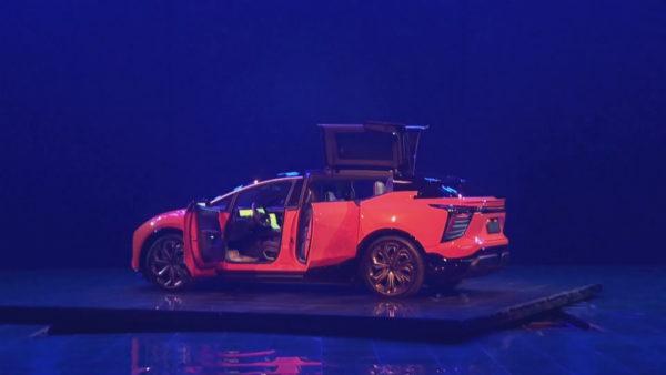 Panairi ndërkombëtar në Pekin, 785 modele të reja automjetesh prezantohen për herë të parë