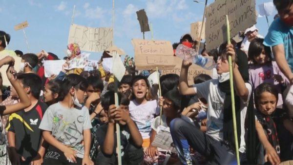 Protesta në Lesbos, emigrantët flenë në rrugë prej 4 ditësh