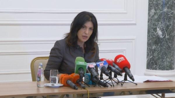 Topalli: Politikanët, hipokritë në kërkesën për zgjedhje të lira