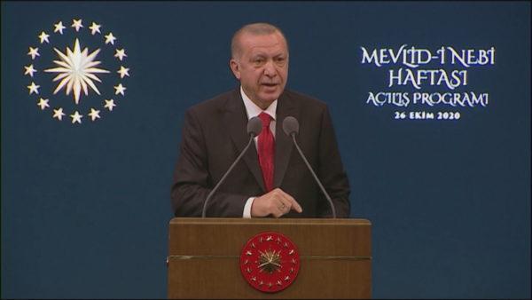 Tensionet me Francën, Erdogan: Myslimanët në Europë, si hebrenjtë gjatë nazizmit