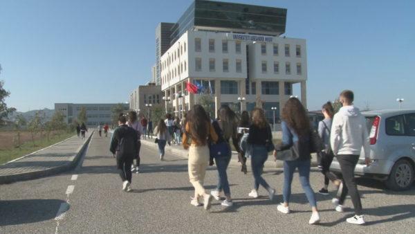 Viti i ri akademik, studentët në Durrës hasin vështirësi për të gjetur akomodim