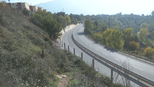 Rreziku nga aksidentet, mungojnë mbikalimet në Rrugën e Kombit