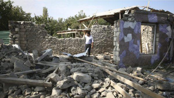 Vazhdojnë luftimet për Karabakun, Rusia ofron të ndërmjetësojë bisedimet për paqe
