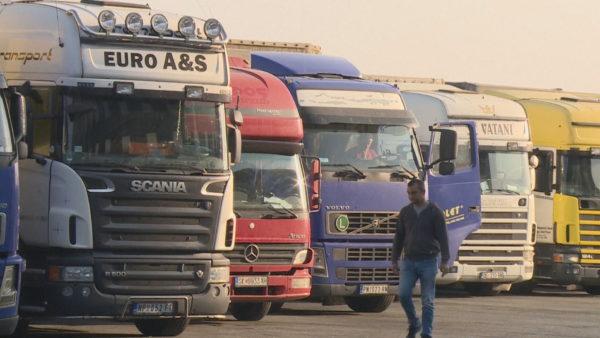 Tregtia me Kosovën në nivele anemike, nuk mungon lufta tregtare mes vendeve