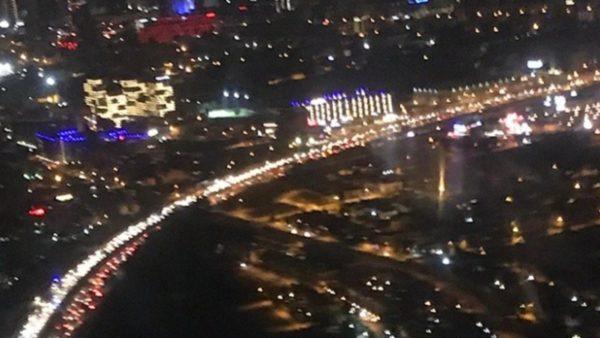 Tërmeti në Turqi, vijon paniku, qytetarët mbushin rrugët