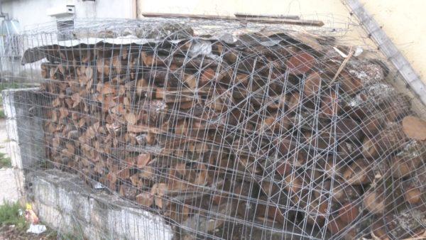 Dimri fillon më herët në Kukës, banorët ankohen për çmimin e druve të zjarrit