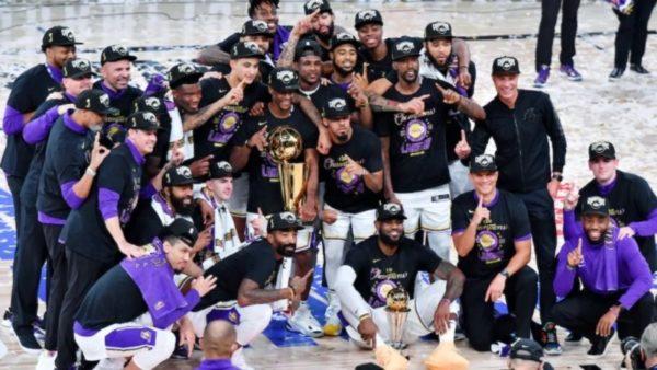 Lakers, të pamëshirshëm ndaj Miami. Titulli kthehet në Los Angeles pas 10 vitesh