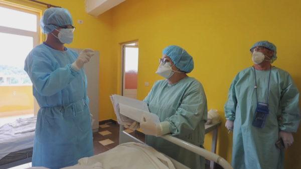 Shëndetësia në pandemi/ Qeveria shton premtimet, mjekët pakënaqësitë